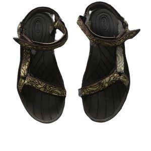 Teva Rugged Strapy Velcro Sandals Sz 10